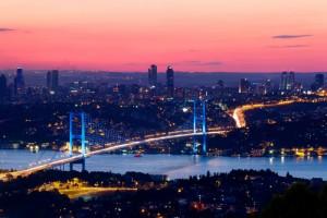 Bosporus bij nacht